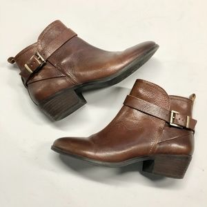 VINCE CAMUTO Vp-Beamer Leather Buckle Ankle Boots